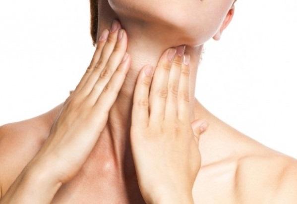 Phương pháp massage cổ giảm lão hóa