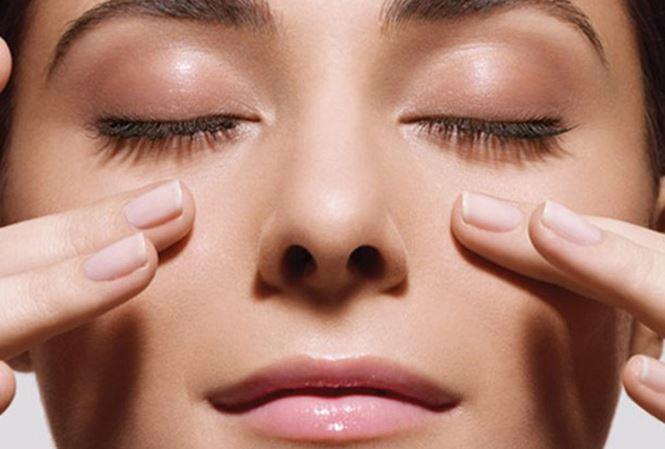 Phương pháp massage bấm huyệt giúp tăng cường thị lực